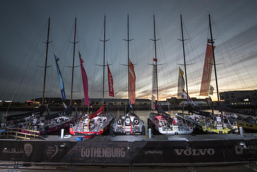 Volvo Ocean Race 2014-15 – VO65 fleet by night